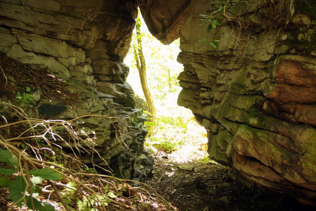 WVLT_Oak_Hill_hole_in_the_rock_IMG_7299